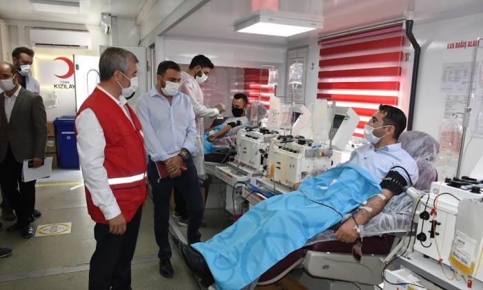 Şahinbey kan bağışında bulundu