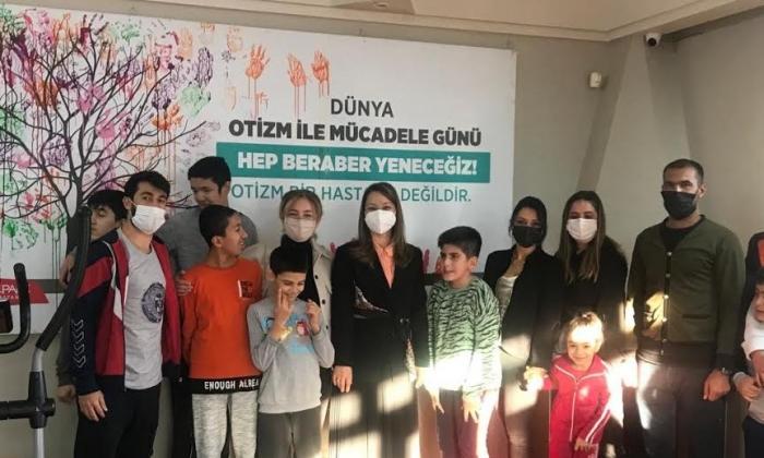 Bakbak'tan Otizm Vakfı'na ziyaret