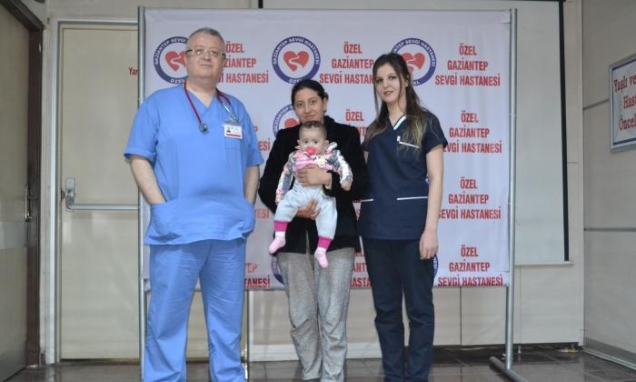 Sevgi Hastanesi'nden bebeğe Hemodiyaliz