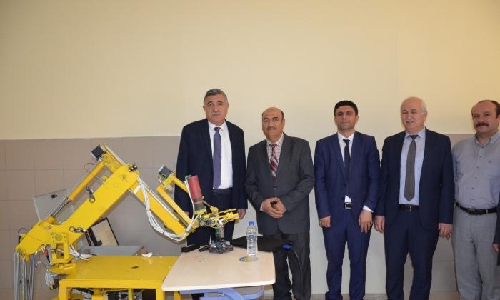 Harran Üniversitesi Milli Robot geliştirdi