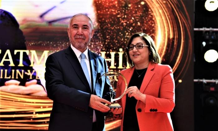Spor yatırımlarından Fatma Şahin'e ödül