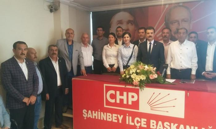 CHP'de Şahinbey'de çiçekli devir