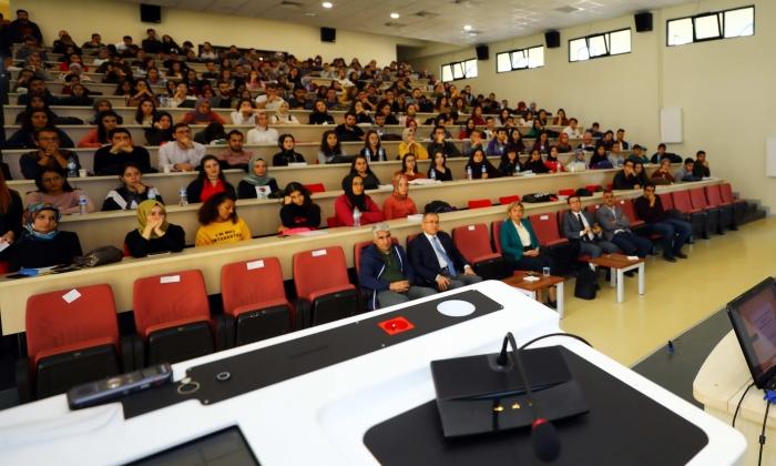 GAÜN Hukuk Fakültesinde Konferans