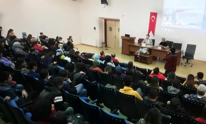 GAÜN'de iletişim Konferansı
