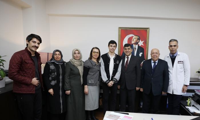 Fadıloğlu'ndan Uğur Okulları'na ziyaret