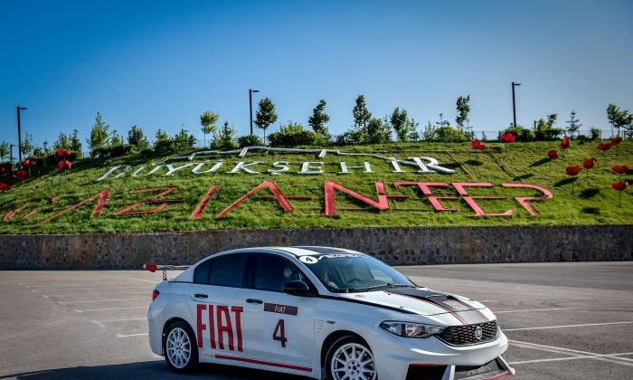 FIAT Egea piste çağırıyor
